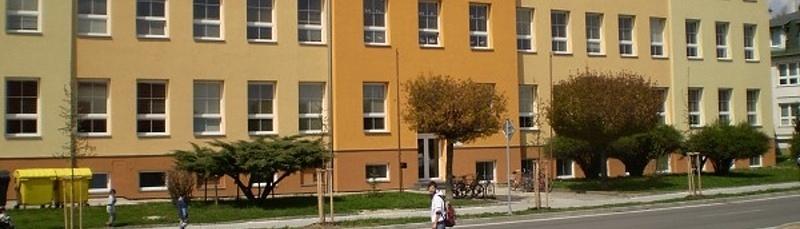Budova Základní školy České Velenice